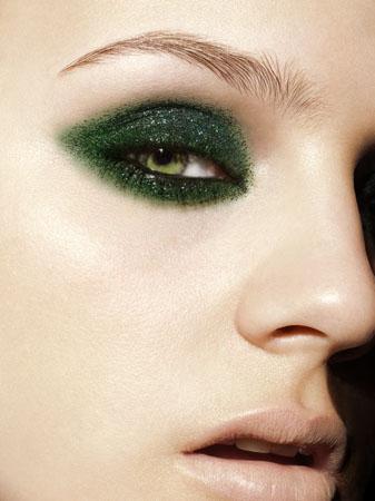 Photo Christopher Kolk Maquillage Julie Bégin